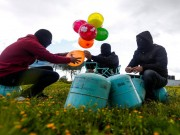 """الإعلام العبري يكشف عن هدف """"حماس"""" من إطلاق البالونات الحارقة"""