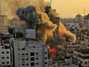 خاص بالفيديو|| مشاهد حصرية للحظة استهداف منزل في مدينة غزة على الهواء مباشرة